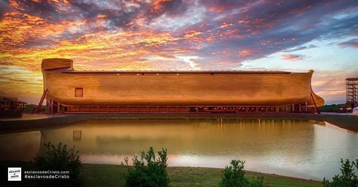 Réplica del Arca de Noé de Respuestas en Génesis en Kentucky