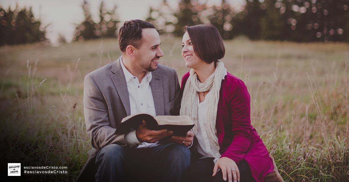 Buenos hábitos matrimoniales: Leer juntos